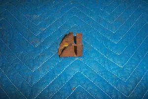 T 39 s Door latch retainer