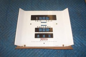 T 300 faceplate manual reset totalizer