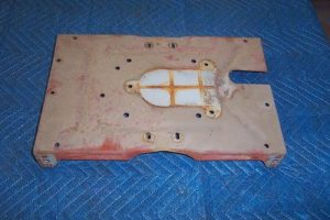 T 39 s Inside top, fits pumps with oval style electrical manifold