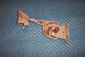 T 300 reset crank linkage assembly