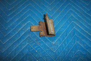 Bowser 595 Door Hinge With Short Pin