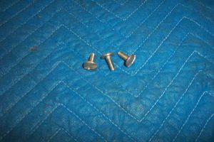 Bennett 748 Side Panel Screws